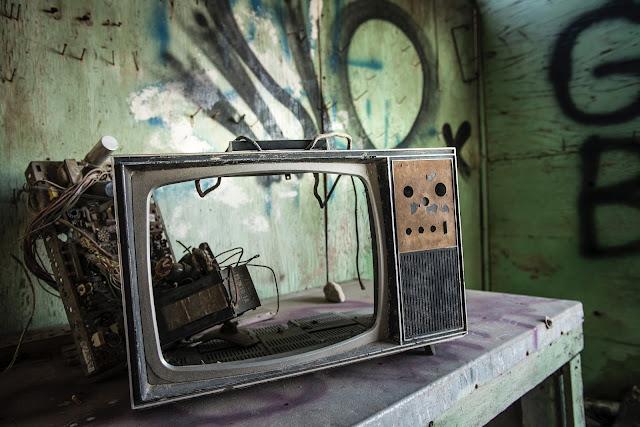 Censura, objetos antiguos, los medios de comunicación, televisión desarmada.