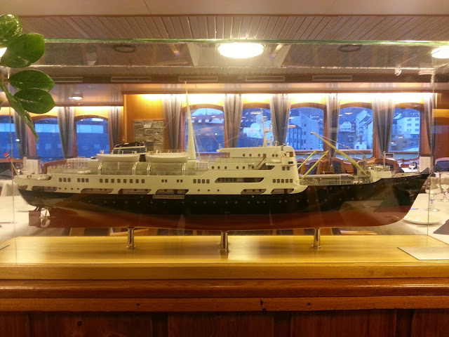 Hurtigruten MS Lofoten - Ship Model