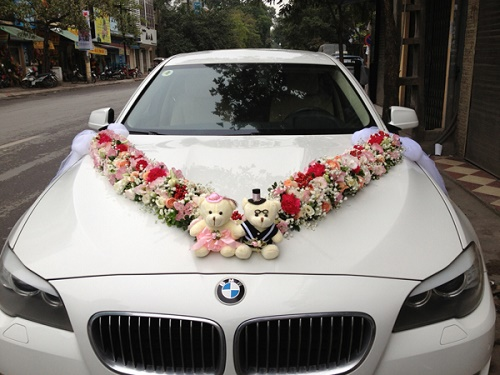 Thuê xe cưới với các mẫu xe hoa bắt mắt cho bạn