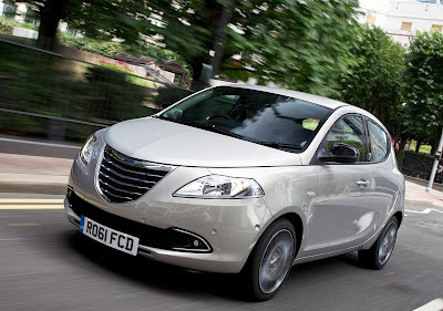 Chrysler Ypsilon pictures 2012