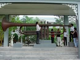 Lão nông và kèn đồng lớn nhất Việt Nam
