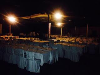Στρωμένα τραπέζια στο δείπνο της Κρήτης