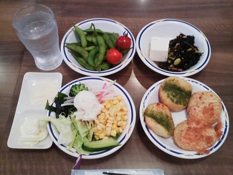 健康サラダバーランチ¥647-2 ステーキガスト一宮尾西店8回目