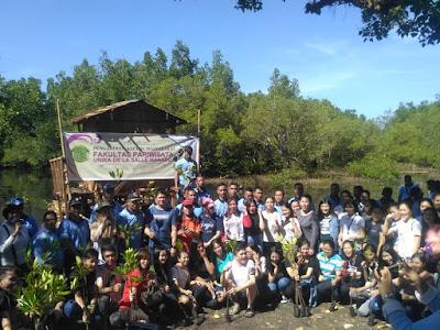 Unika De La Salle dan Lanud Sri  Serentak Tanam Mangrove Di Taman Nasional Bunaken