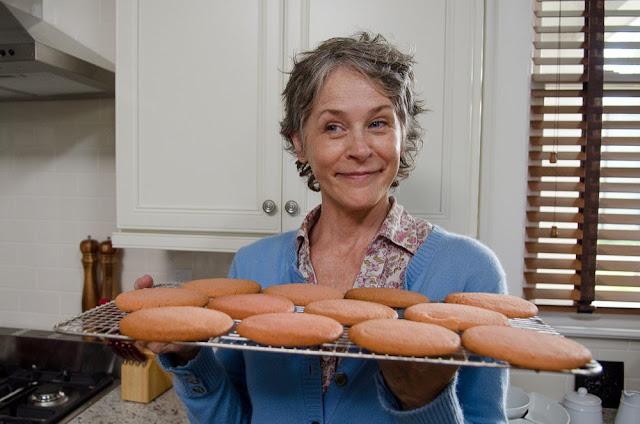 Carol y sus galletas en el 6x12 de 'The Walking Dead'.