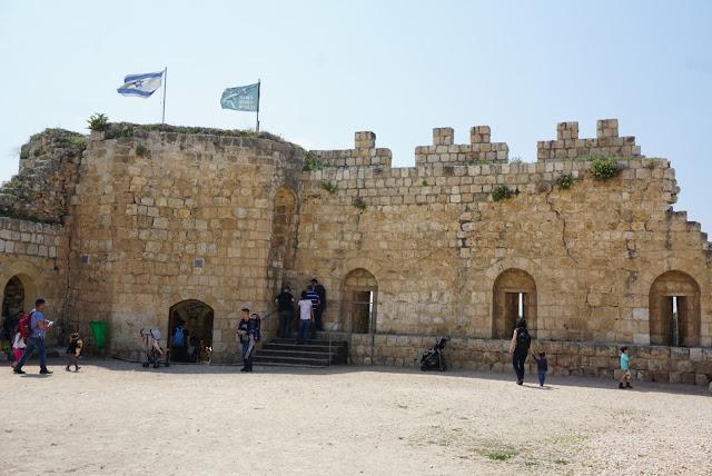 תל אפק - שרידי המבצר