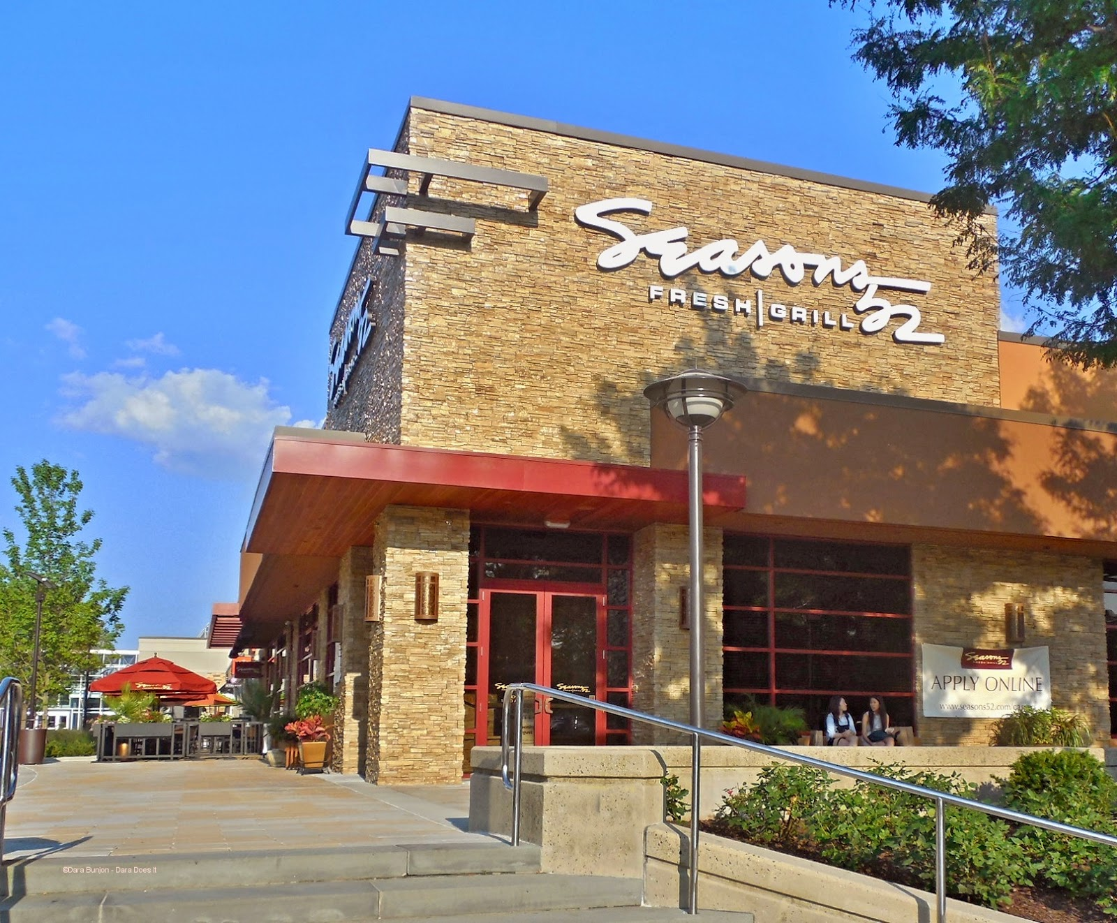 Seasons 52 Restaurant Opens At The Mall In Columbia