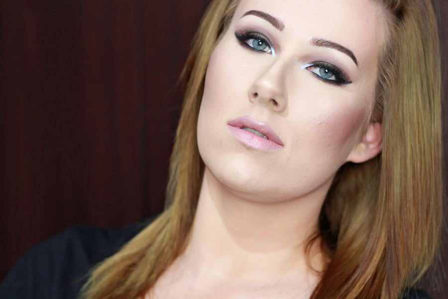 Kobo, Makijaż, Pigment, Przydymione oko