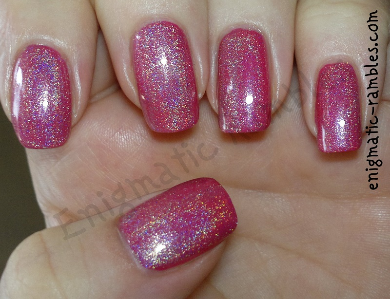 ciate-cupcake-queen-pink-hits-hefesto-holografico-nails