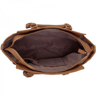 interior geanta dama nude