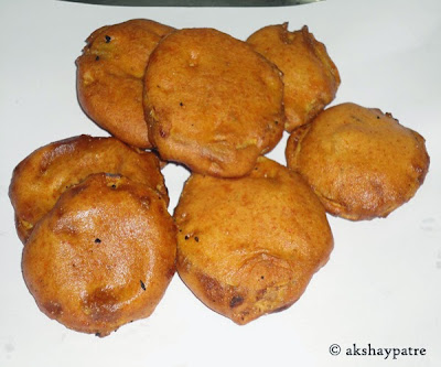 deep fried for batata pakoda