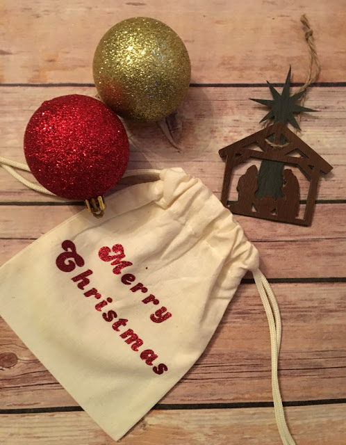 Need last minute Christmas gifts? Check out this nativity ornament made with Faux Leather and my Cricut Maker.