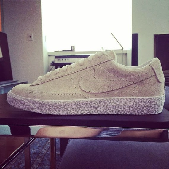 reputable site 37ea7 736d1 Fragment Design x Nike SB Blazer Low