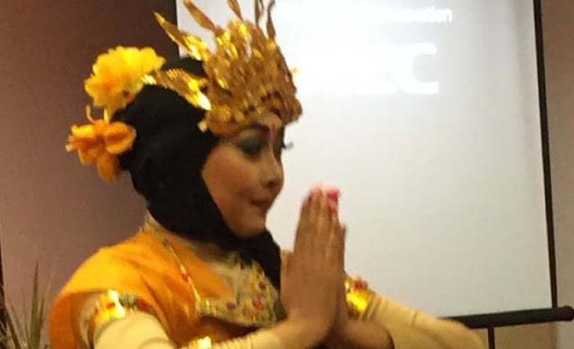 Universitas NU Surabaya Tampilkan Tari Bali Syar'i