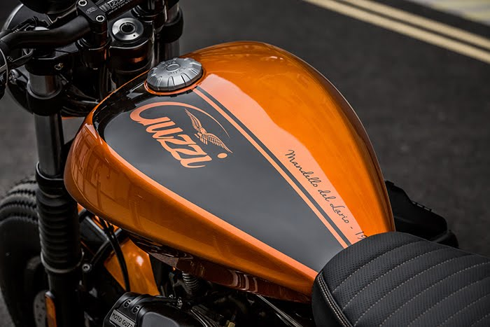 Moto Guzzi V9 Bobber custom paint job