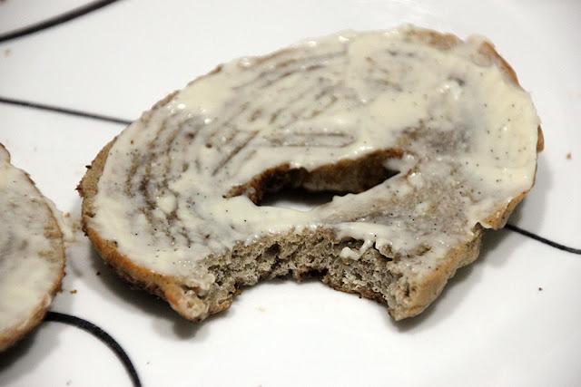 Cinnamon Crunch Bagel with Vanilla Honey Cream Cheese