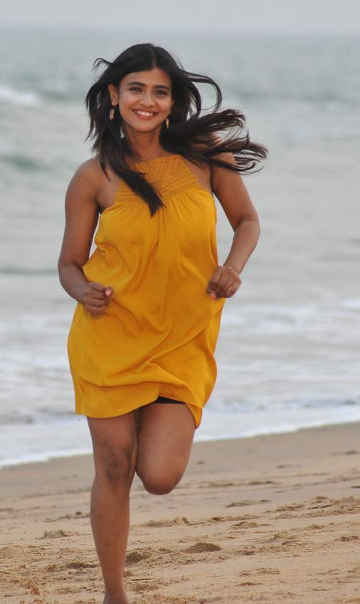 Beautiful Hyderabadi Girl Hebah Patel Photo Shoot In Yellow Dress