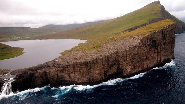 Leitisvatn lake - Faroe Islands