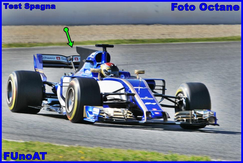 Immagine 2 - Sauber C36 in azione nei test di Barcellona