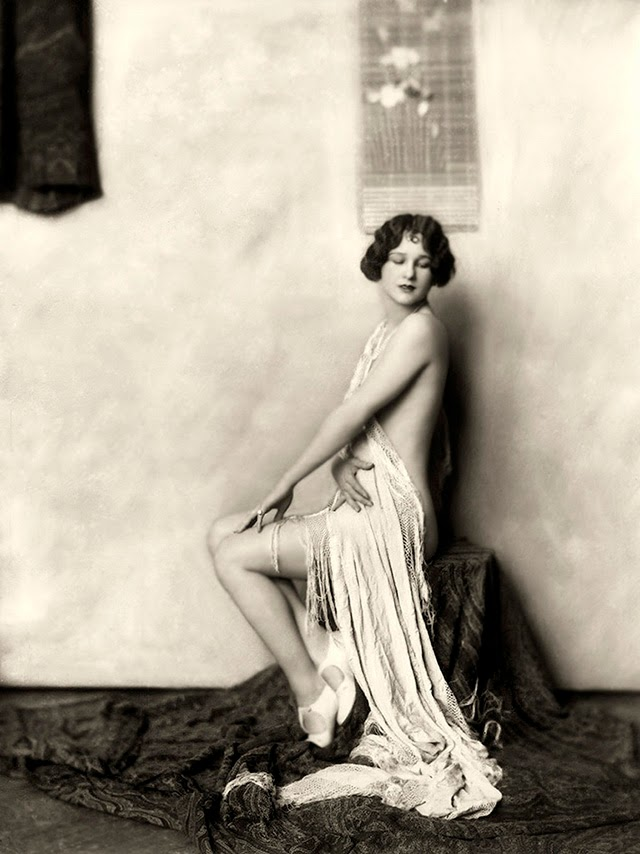 35 Beautiful Portrait Photos of Ziegfeld Follies Showgirls from the