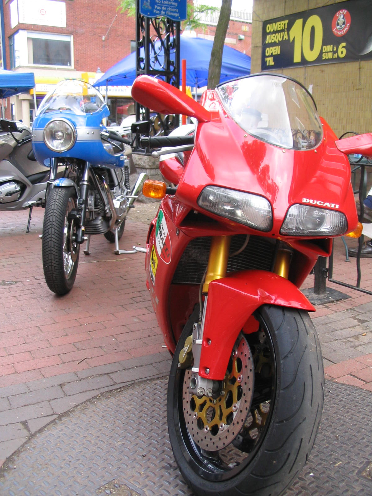 Ducati 916 and 900 SuperSport