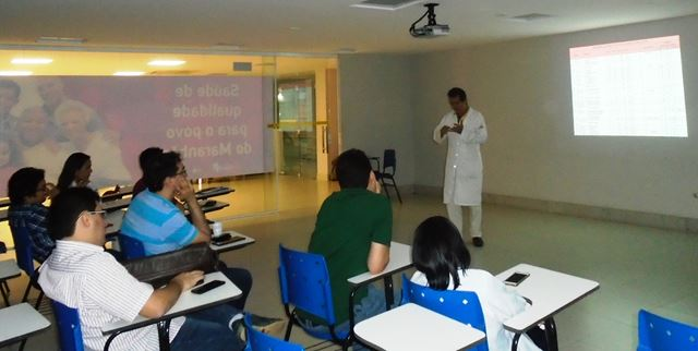 Marcone Barbosa Pacheco, cardiologista, apresentou informações relativas aos procedimentos adotados no HCM no que se refere a risco cirúrgico