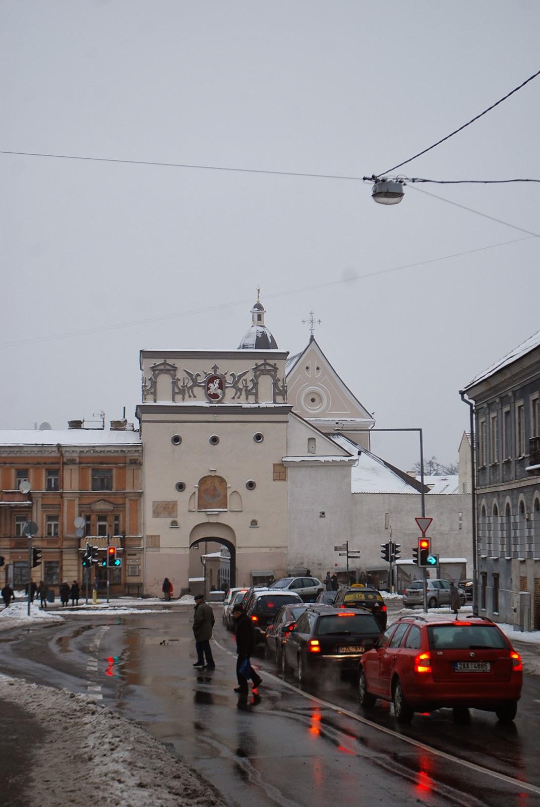 Острая брама (Острые ворота), вид со стороны Ж\Д вокзала.