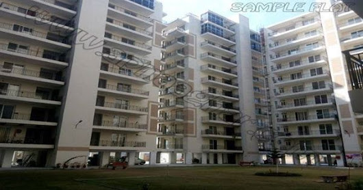 3 BHK 1960 Sq ft Semi-furnished (Own your Happiness at Just 5%) with all Basic Amenities available @ Economical rates