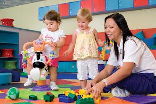 Центр для детей на круизном корабле, детские комнаты и воспитатели