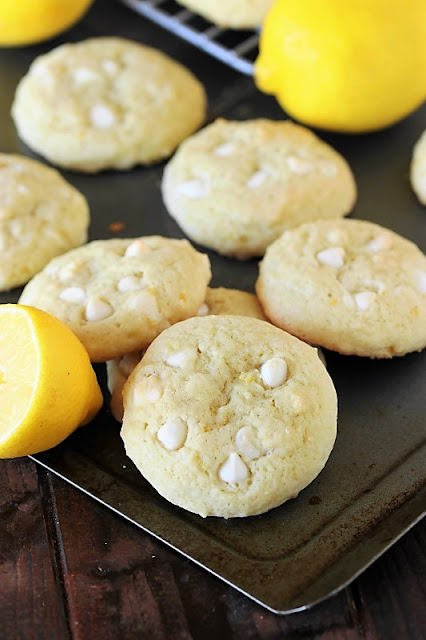 Lemon White Chocolate Chip Cookie picture