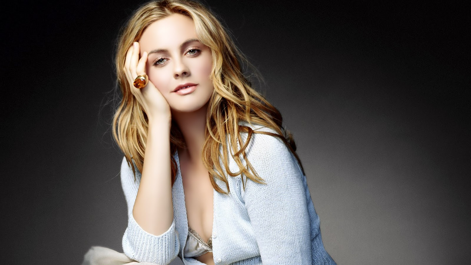 Cleavage Alicia Silverstone nudes (68 foto and video), Tits, Leaked, Feet, braless 2019
