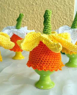 crochet daffodil Easter Egg Cozy