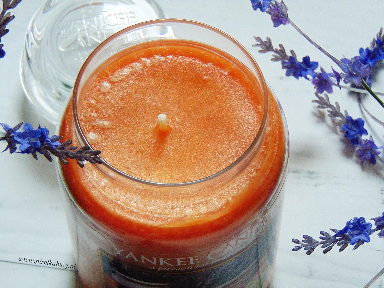 Świeca Yankee Candle 'Peach&Lavender'