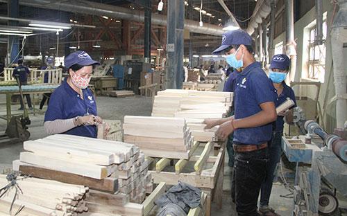 Ngành gỗ Bình Dương: Nhiều thách thức trong hội nhập