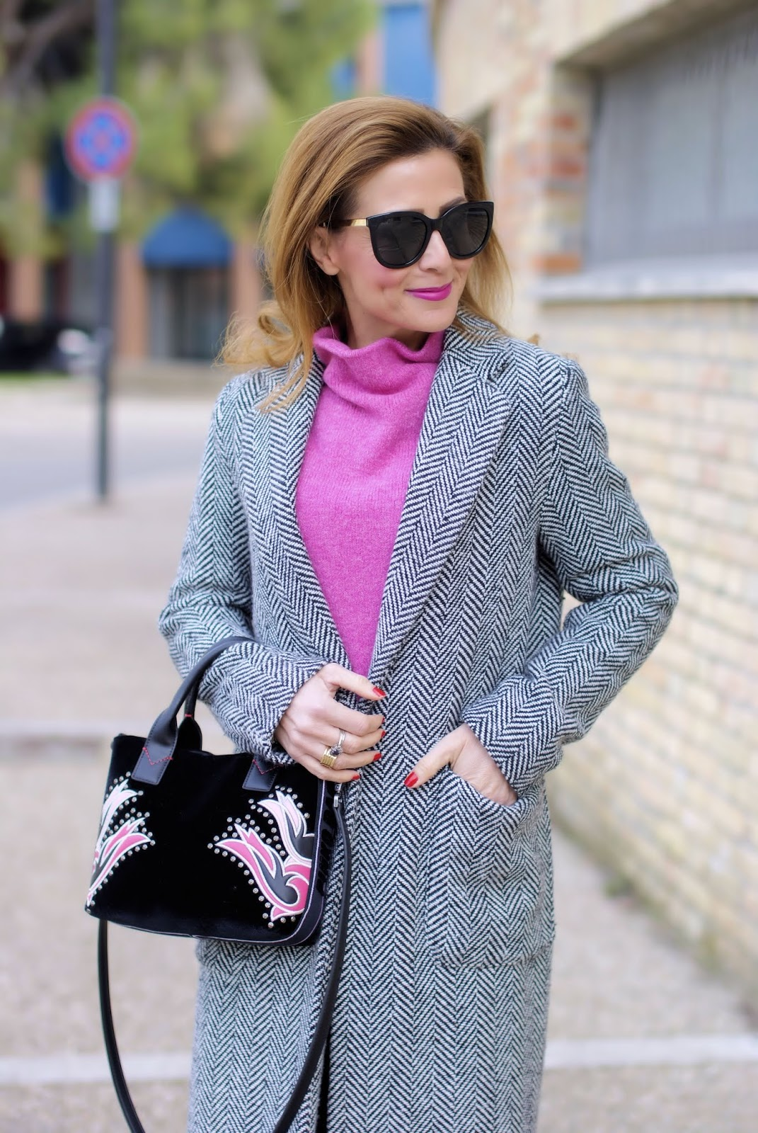 Don't stop me now: last outfit of 2018 with Pink bag on Fashion and Cookies fashion blog, fashion blogger style