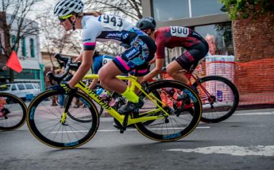 Mengapa Harus Menggunakan Jersey Saat Bersepeda? Ini Dia Alasannya