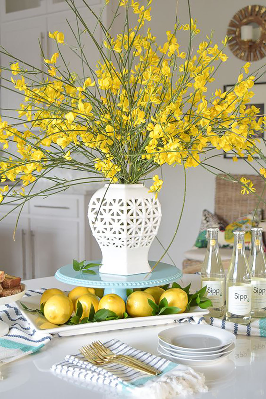 Spring And Easter Tablescapes Yellow Room Like This