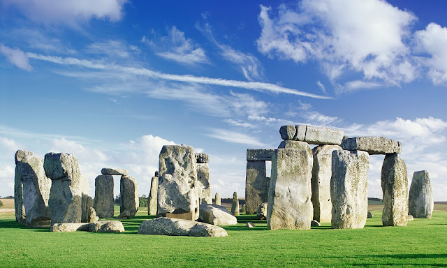 DNA study suggests Beaker people from Netherlands replaced builders of Stonehenge