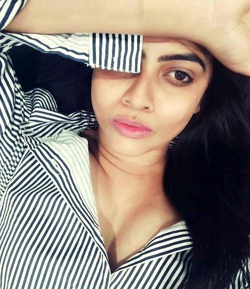 Athithi Das Latest Instagram Photos