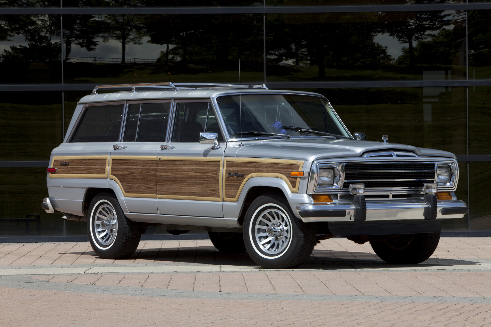 After Five Years Of Waiting, The Jeep Grand Wagoneer Will ...