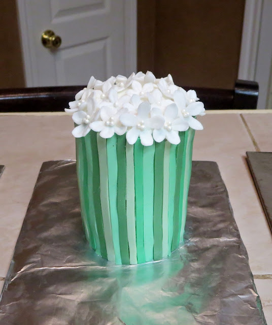 Bouquet of White Flowers Cake - Small