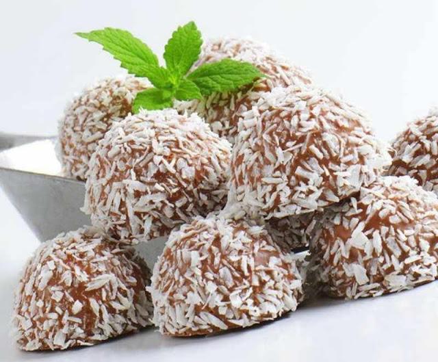 Bolitas de coco y chocolate