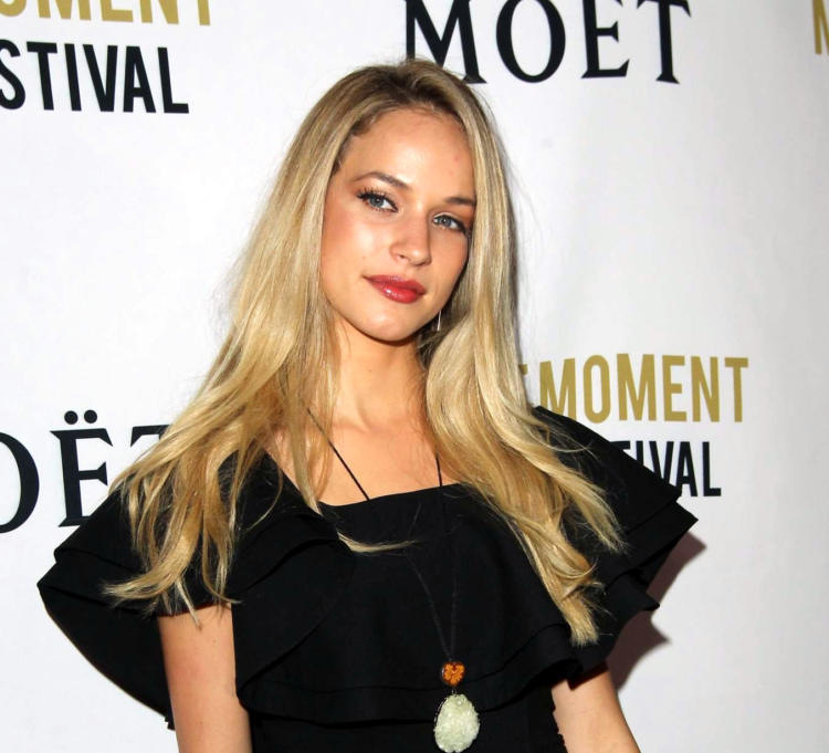 Alexis Knapp Wiki and Biography