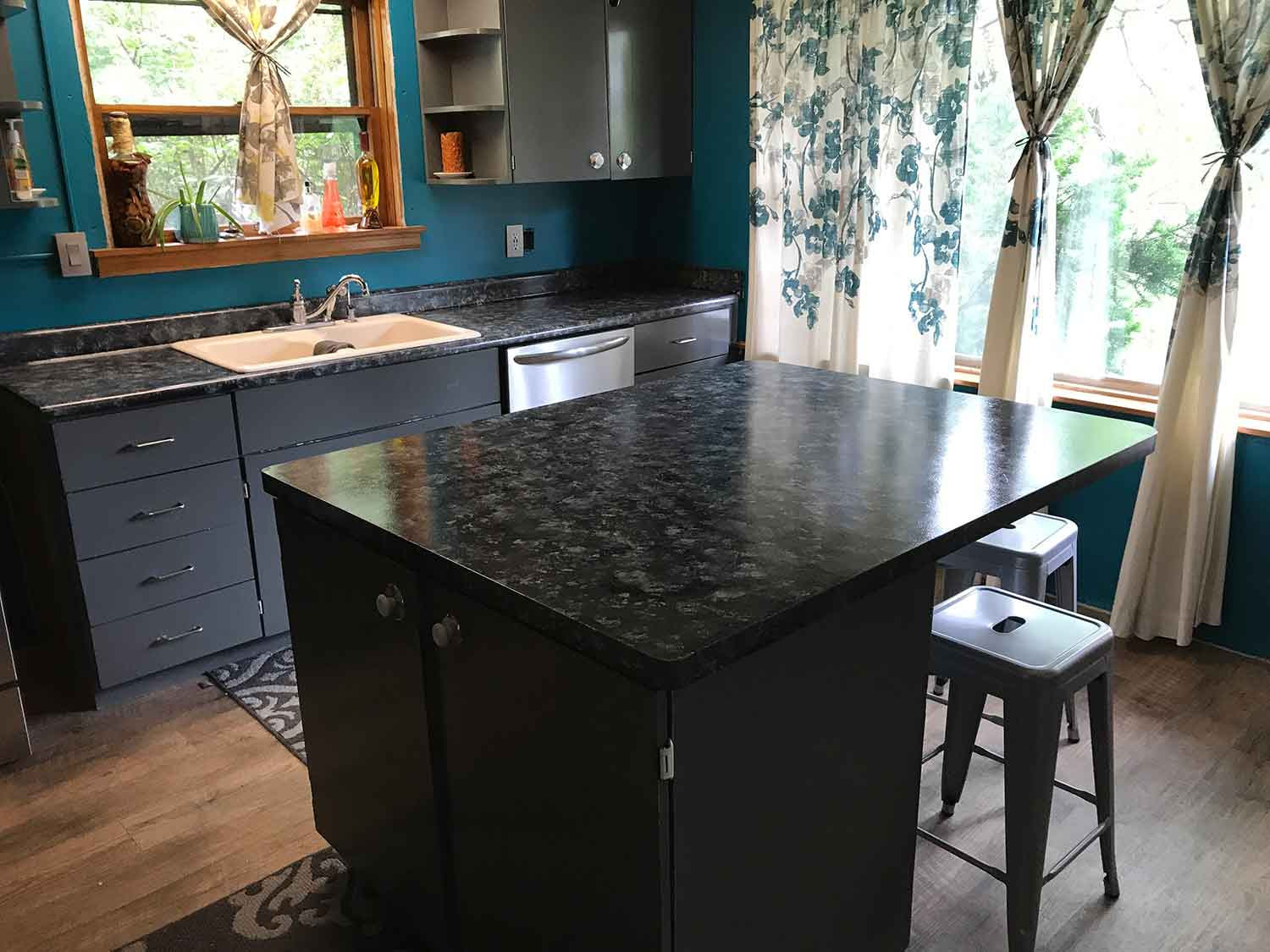 Madison 39 S Best Businesses Affordable Granite Counter Tops Using Paint