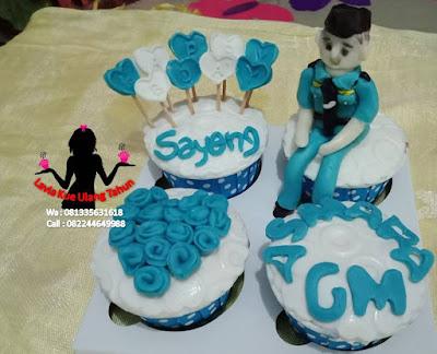 Cupcake buat kekasih di Angkasa pura yang ulang tahun