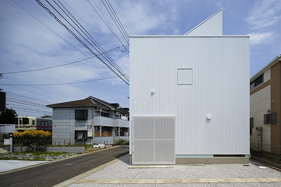 02-A-L-X-Sampei-Junichi-Architecture-Building-that-Envelops-Beauty-www-designstack-co