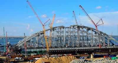 Россия перекрыла Керченский пролив для строительства моста