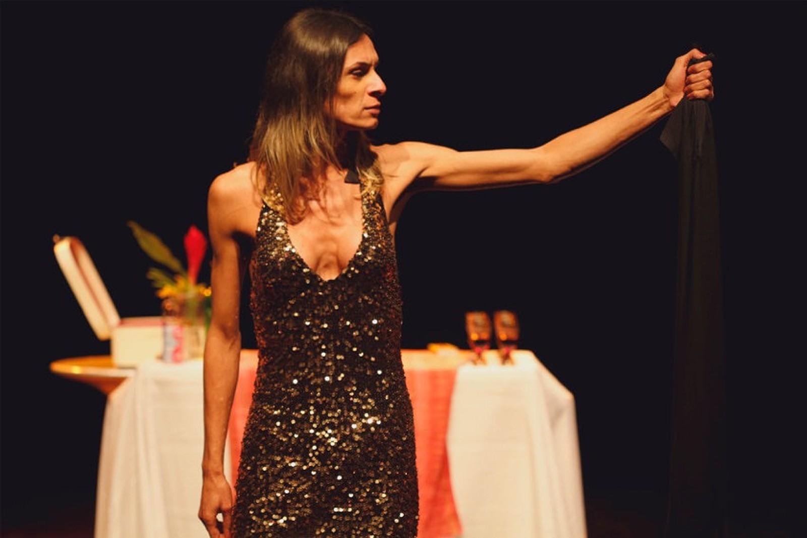 No DF, peça retrata Jesus como mulher trans e lota teatro no Cena Contemporânea