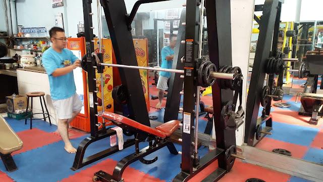 Smith Machine Agi Gym Tempat Fitness dan Gym Di Kota Medan