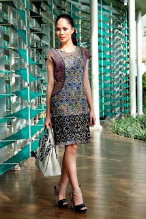 Baju Batik Wanita Karir
